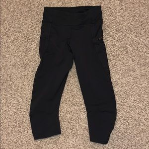 Lululemon Capri Legging- black